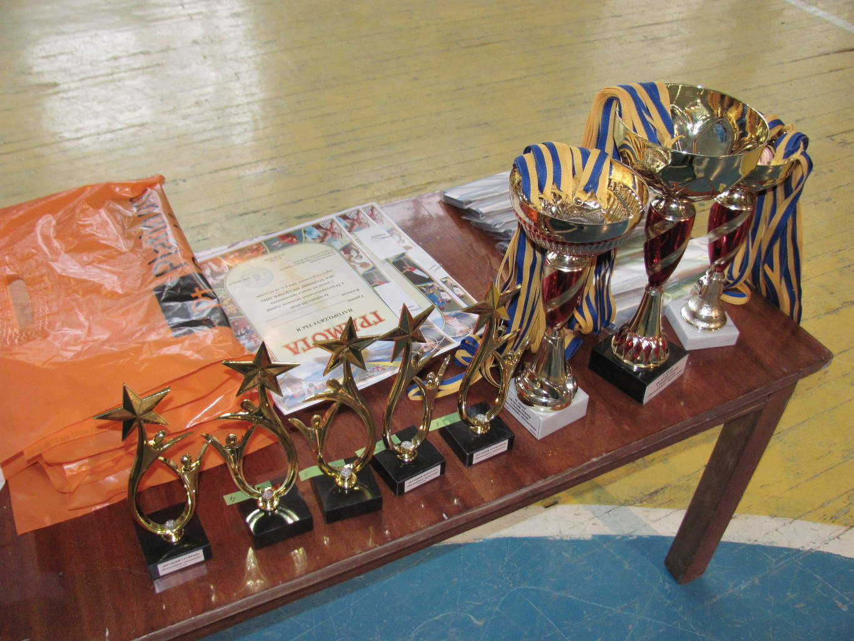 """В ФОК """"Динамо"""" відбувся традиційний дитячий турнір з хокею на траві в приміщеннях «Восходящие звездочки»"""
